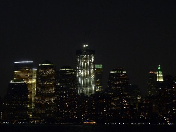 New York de nuit depuis Ellis Island - Imagine Cup 2011